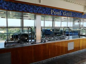 pool grill Regent Seven Seas Navigator