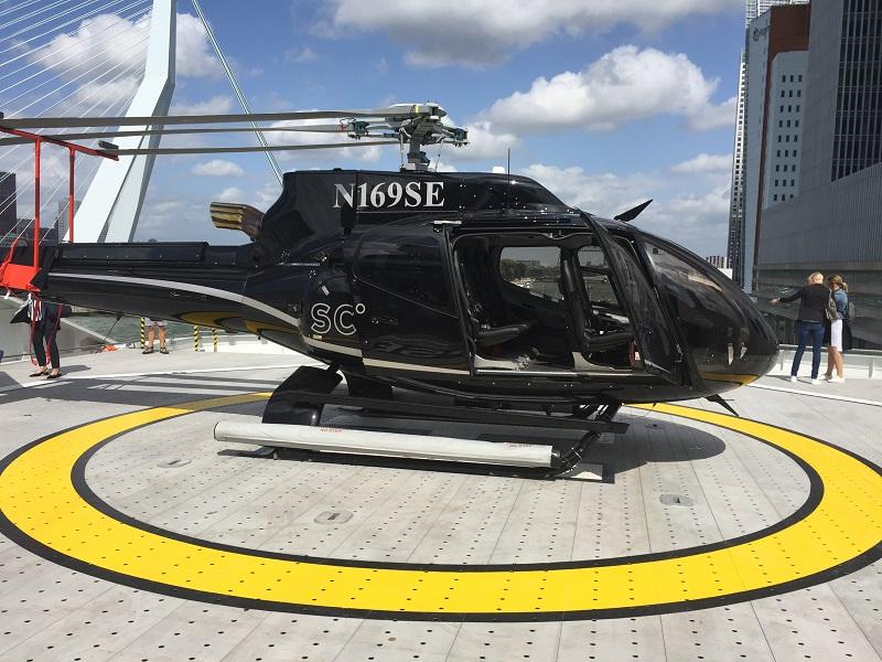 Helicopter an Bord der Scenic Eclipse im Hafen von Rotterdam