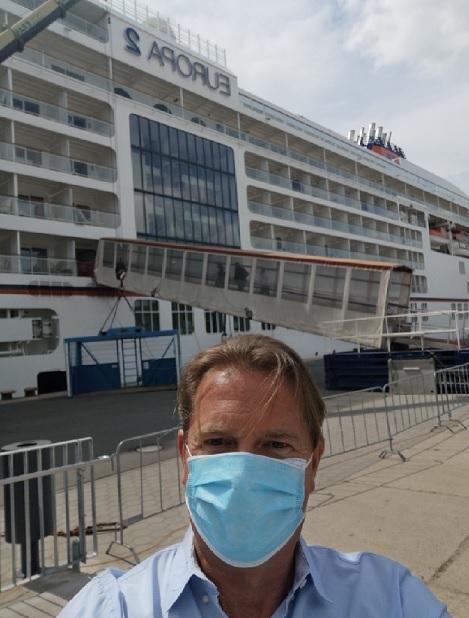 Kreuzfahrtexperte Michael Seibert vor der ersten Luxuskreuzfahrt nach dem Pandemiebedingetn Stillstand an Bord der MS Europa 2